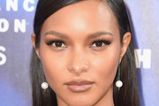 Lais Ribeiro Long Straight Cut