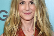 Holly Hunter Long Wavy Cut