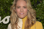 Cody Horn Long Wavy Cut