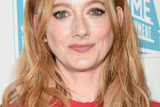 Judy Greer Long Wavy Cut