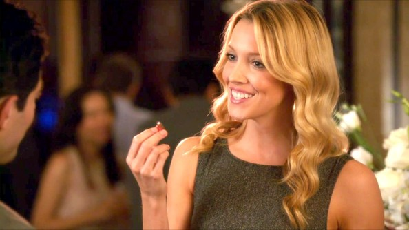 Katie Cassidy - Katie Cassidy Photos - New Girl Season 1 Episode 3 ...