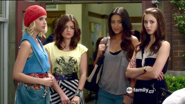 Lucy Hale and Ashley Benson - Pretty Little Liars Season 3 Episode 3