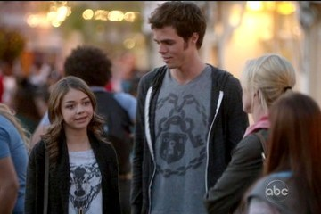 Reid Ewing Modern Family Season 3 Episode 22