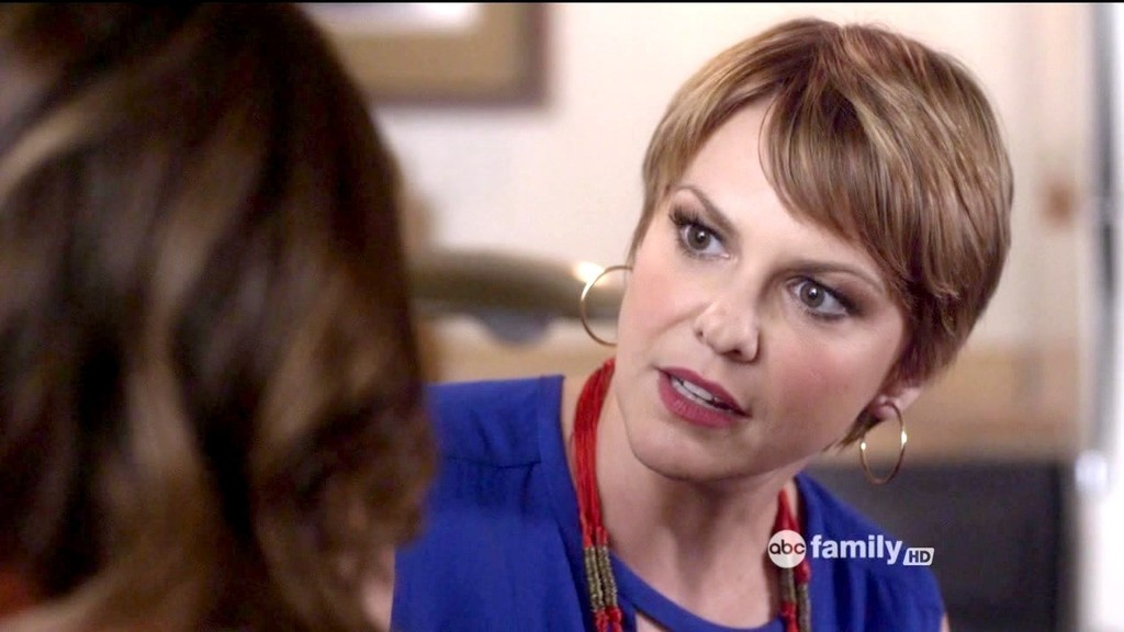 Larisa Oleynik en pretty little liars